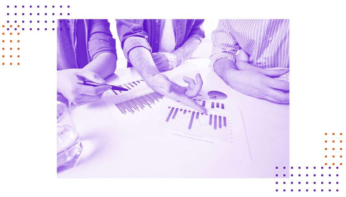 Como a estruturação de processos comerciais contribui para resultados consistentes?